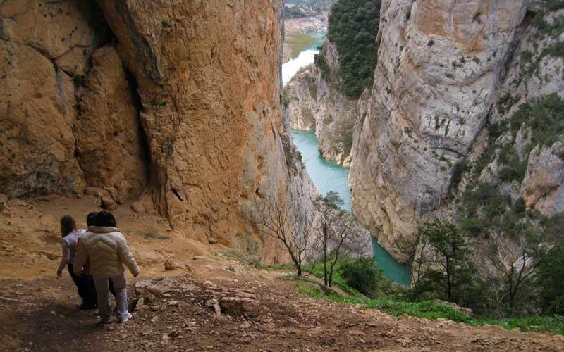 Bajada de la cueva Colomera