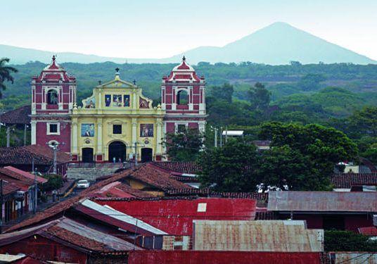 Nicaragua entre el fuego y el agua