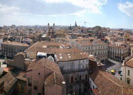 Catania, bajo la mirada del Etna