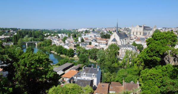 Vista de la ciudad de Poitiers