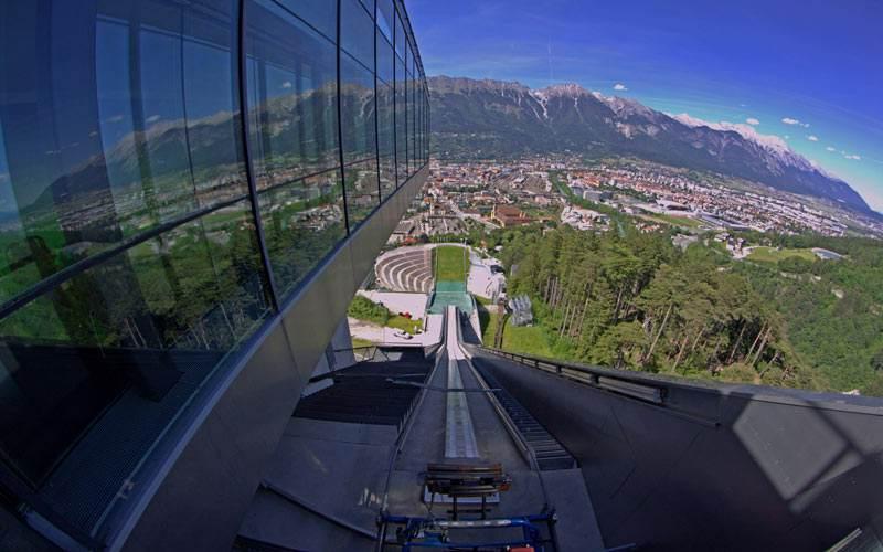 trampolin_de_saltos_olimpico_en_la_montana_de_bergisel